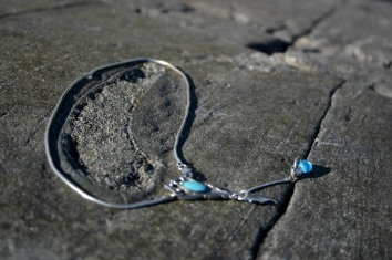 diy necklace from recycled material