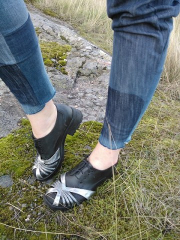 diy shoes with silver deco