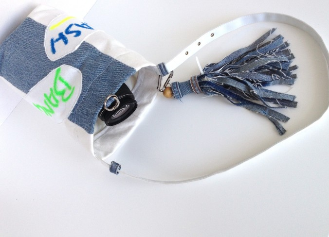 diy camera bag out of 90´s print fabric and denim tassel