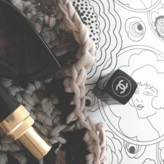 diy crochet bag with Chanel lipstick