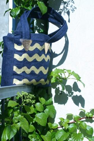 diy denim bag with gold colored waves